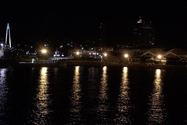 マリーナシティで夜釣り