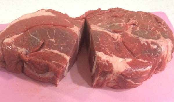 大きな肉でローストビーフ